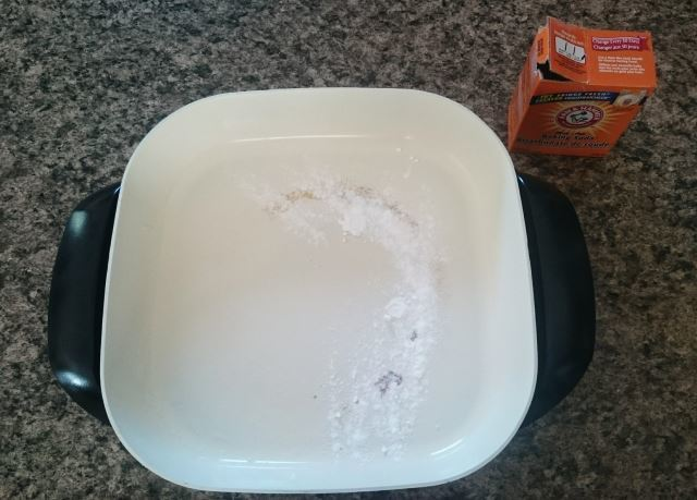 baking soda sprinkled on electric skillet