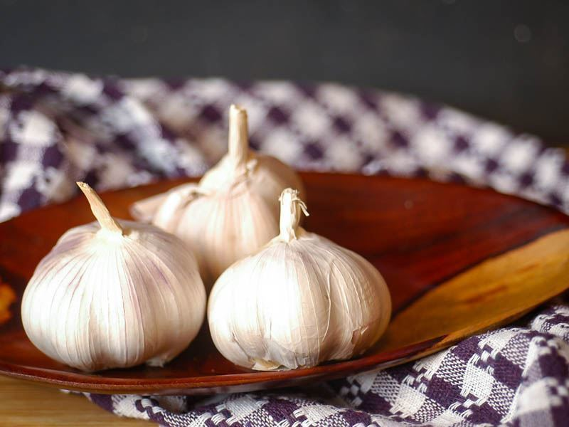 How to Chop Garlic - Step 1 image. inthekitch.net