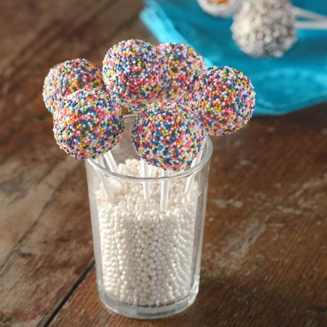 babycakes cake pops in a glass cup