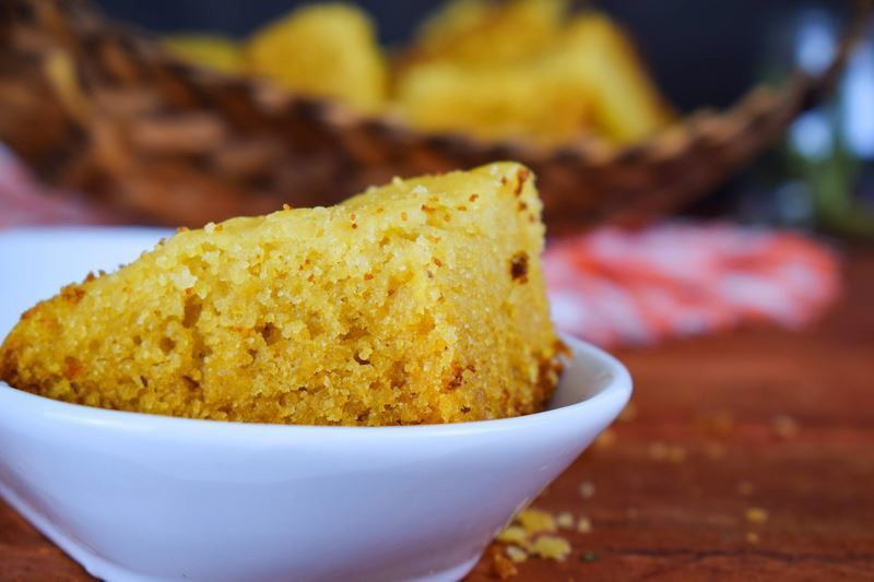 Electric Skillet Corn Bread in a porcelain dish.